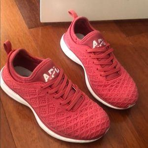 APL techloom sneakers running shoes